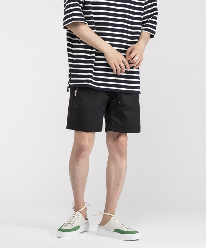 TREKKING SHORTS PANTS [BLACK]